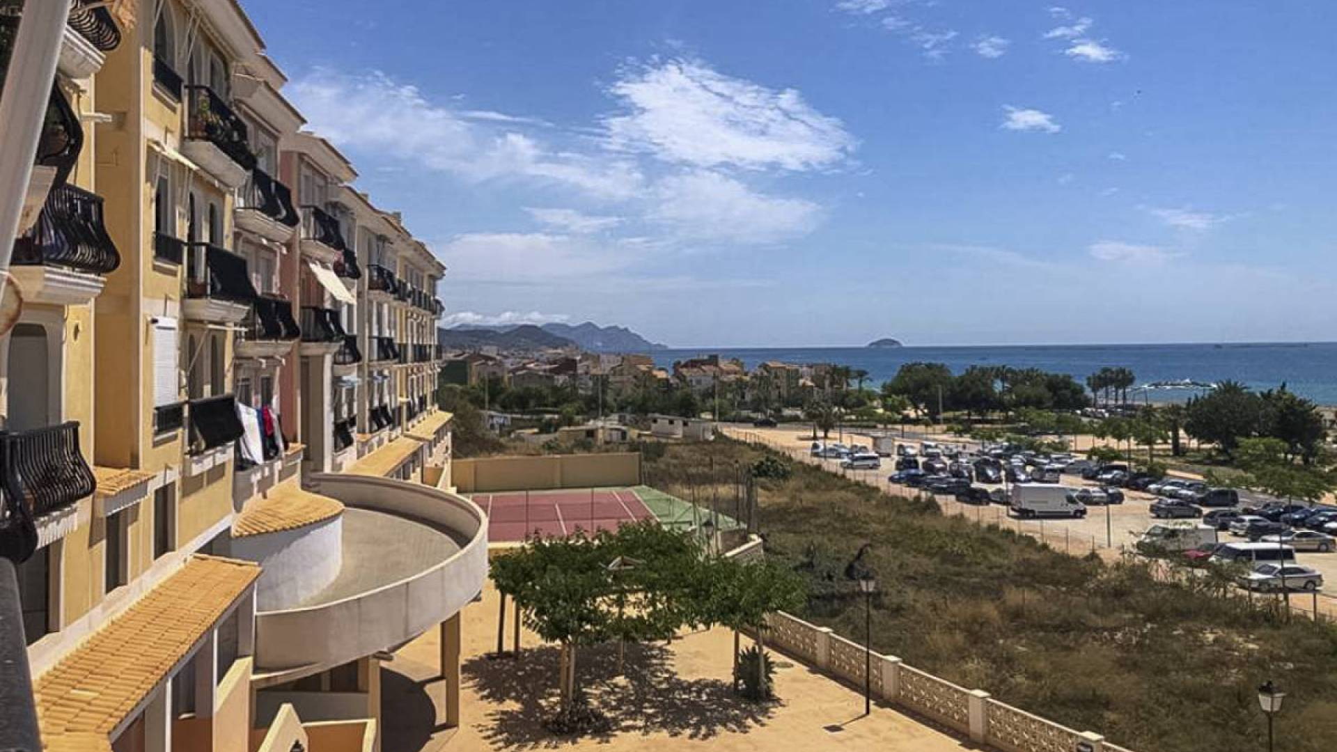 Resale - Apartment - Villajoyosa